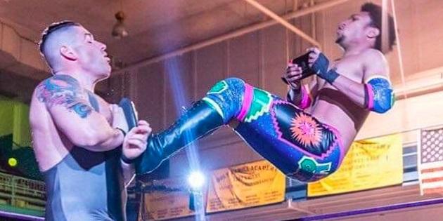 Newsbild zu Kurios: Profi-Wrestler spielt auf seiner Nintendo Switch und kämpft gleichzeitig im Ring