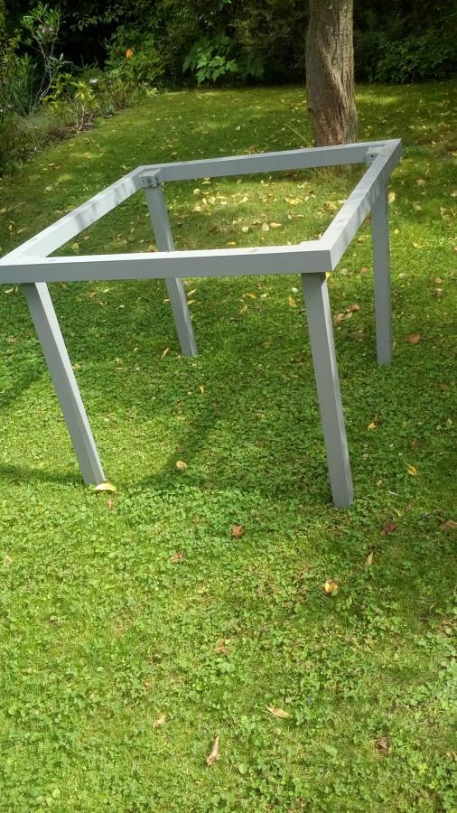 Tischplatte zerplatzt