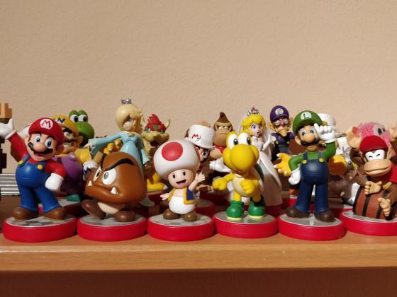 Amiibo collection Super Mario